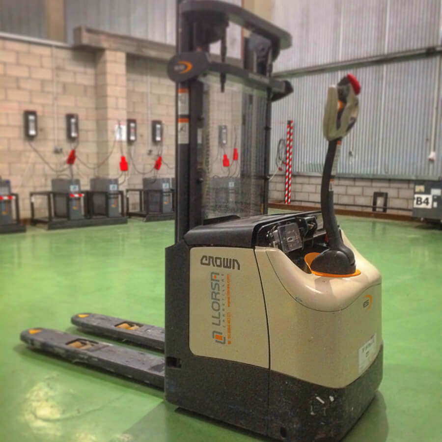 crown_et4000_llorsa_forklifts_01