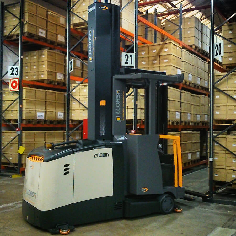 crown_tsp6000_warehouse_llorsa_forklifts